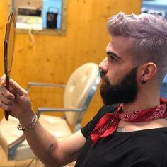 "180 Me gusta, 9 comentarios - Matteo (@matteo.minelli92) en Instagram: ""⚪️⚫️. . . . . #white #barcelona #Barcellona #boy #beard #coat #zaracoat #zara #like4like…"""