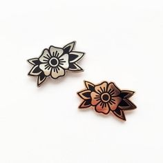 Traditional Flower Tattoo Enamel Pin Lapel Pin Badge Set of 2 Collar Tips Silver - Tattoo MAG Mandala Flower Tattoos, Small Flower Tattoos, Flower Tattoo Designs, Belly Tattoos For Women, Sleeve Tattoos For Women, Tattoos For Guys, Back Tattoos, Mini Tattoos, Trendy Tattoos