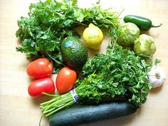 Hate When Veggies Spoil?s Your Guide to Keeping them Fresh Healthy Fruits, Fruits And Veggies, Vegetables, Baby Food Recipes, Healthy Recipes, Healthy Options, Healthy Foods, Cooking Tips, Cooking Recipes