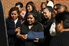 Una madre despide a su hija días después de ser atropellada por una conductora intoxicada. CHRIS WALKER/CHICAGO TRIBUNE