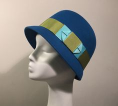 cloche hat by house of nines  http://www.houseofninesdesign.com/2015/09/sneak-peek-at-coming-cloches.html