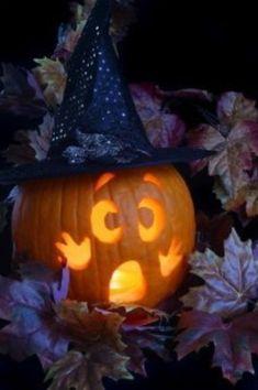 Halloween pumpkin shell that is scary - gift idea for Wiko Getaway Spooky Halloween, Halloween Geist, Halloween Pumpkins, Halloween Crafts, Happy Halloween, Halloween Decorations, Halloween Dinner, Cute Pumpkin Carving, Scary Pumpkin