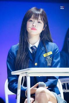 Kpop Girl Groups, Kpop Girls, K Pop, Cute Girls, Cool Girl, Oh My Girl Yooa, Medium Hair Styles, Girl Crushes, Korean Girl