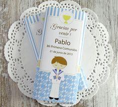 Etiqueta imprimible para personalizar chocolatinas del supermercado LIDL. En color azul / celeste. Ideales para una Primera Comunión de niño. Inmediatamente después de tu compra, podrás descargarte 1 archivo Din A4, con 2 etiquetas diseñadas especialmente para envolver la chocolatina