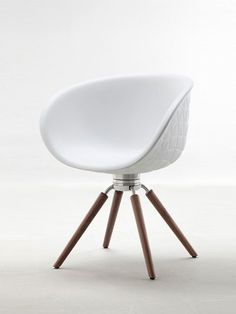 Polyurethane chair with armrests STRUCTURE WOOD by Tonon | #design Mac Stopa