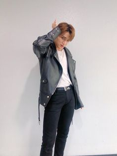 YES I'M THAT DIAMOND Jeonghan, Woozi, Vernon, Hip Hop, Kim Min Gyu, Boy Idols, Mingyu Seventeen, Seventeen Wallpapers, Pledis 17