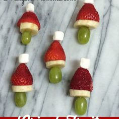 Grinch Fruit Kabobs | Kids Christmas Treats Recipe Desserts, Lunch with grapes…