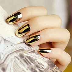 False nails products silver gold artificial metal nail tips fake nails fashion designs 72 pieces -- Be sure to check out this awesome product. Chrome Nail Polish, Metallic Nail Polish, Chrome Nails, Nail Art Hacks, Nagel Hacks, Golden Nails, Mirror Nails, Nagel Gel, Classy Nails