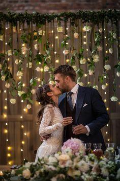 INNA Studio_ happy wedding couple in pastel barn w Young Couple Wedding, Wedding Couples, Wedding Bride, Wedding Table, Wedding Ceremony Flowers, Summer Wedding Colors, Spring Wedding Flowers, Rustic Wedding Groom, Bohemian Wedding Decorations