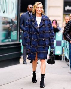 Diane Kruger got the memo: Theres more to winter dressing than donning a black puffer. - Culture and #Fashion - Women's #Dresses and Shoes - Purses and Accessories - #Luxury Lifestyles of Rich and Famous - Editorial Campaigns - Bargain #Shopping Ideas - Style and Beauty News - Best Designer Brands - Runway Photography - Supermodels