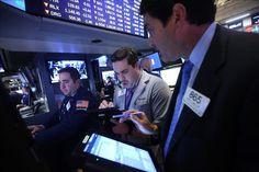 Wall Street cierra con pérdidas y el Dow Jones baja un 1,60%