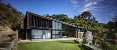 Los arquitectos de Daniel Marshall diseñan un hogar que pasa por alto la bahía - Waiheke Island, Auckland, New Zealand
