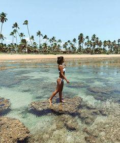 How to Take Good Beach Photos Beach Vibes, Summer Vibes, Summer Ootd, Summer Pictures, Beach Pictures, Beach Photography Poses, Foto Pose, Summer Feeling, Jolie Photo