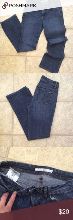 Bootcut Joe's jeans Good condition, size 29 high waisted bootcut jeans Joe's Jeans Jeans Boot Cut