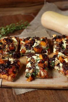 Roast Pumpkin, Caramelized Onion & Walnut Pizza: Caramelised onions, 3 large brown onions, 1T olive oil, 1t br sugar, Red wine; Roast Pumpkin: 800g pumpkin, Olive oil, Salt
