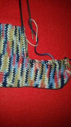 Knit socks like grandma with simple instructions! - Knitting for beginners,Knitting patterns,Knitting projects,Knitting cowl,Knitting blanket Diy Knitting For Beginners, Easy Knitting, Knitting Socks, Beginner Crochet, Crochet Socks, Knit Crochet, Knit Socks, Crochet Scarves, Knitting Projects