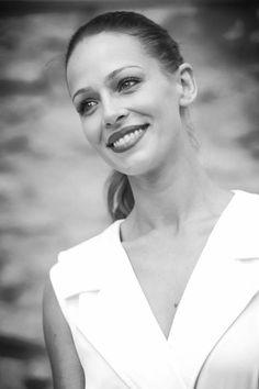"""Eva González - Blog 'Las Tentaciones de Eva' 2012/2013 """"Con el Junior Masterchef"""" http://las-tentaciones-de-eva.blogs.elle.es/2013/09/06/vitoria-con-el-junior-masterchef/"""