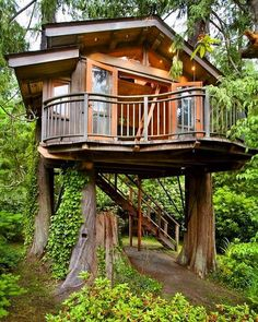 A cool modern #treehouse #architecture #arquitectura #tinyhouse #picoftheday #trees #design #style by home_tree_home