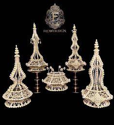 Flower Garlands, Flower Decorations, Thailand Fashion, Arts And Crafts, Diy Crafts, Thai Style, Fabric Manipulation, Asian Art, Floral Arrangements