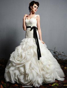 Custom Wedding Gowns | ... wedding gowns tagged celebrity weddings Chanel wedding 2012 custom
