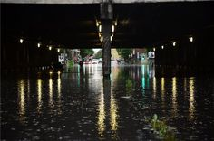 Esővízzel elöntött Vágány utcai vasúti felüljáró, a VI. kerületi Podmaniczky és a Dózsa György út kereszteződésénél | MTI Fotó: Balogh Zoltán