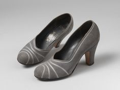 Pair of suede shoes with a silk ribbon trim, made by F. Pinet, possibly made in Great Britain or France, Museum Number 1940s Shoes, 1940s Fashion, Pumps, Heels, Suede Shoes, Fashion Shoes, Peep Toe, Silk Ribbon, 1930s