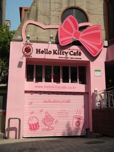 Hello Kitty Cafe, Seoul South Korea - Visited this super kawaii cafe two saturdays ago :) Hello Kitty Car, Hello Kitty Items, Here Kitty Kitty, Hello Hello, Rilakkuma, Totoro, Kitty Cafe, Creepy, Miss Kitty