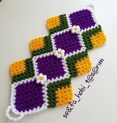 Süslü Bahar Çiçeği Lif Modeli Yapımı - canimanne.com Casual Hijab Outfit, Filet Crochet, Doilies, Maya, Diy And Crafts, Carpet, Stitch, Blanket, Knitting