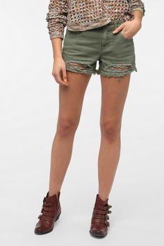 Urban Outfitters - BDG Freja Mid-Rise Denim Cutoff Short