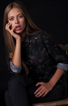 Warsztaty fotografii modowej Prowadzący: Oktawian Górnik Modelka: Karolina/ A S Management Stylist: FASHIONPROFASHION Wizaż: Ewa Kizelbach Miejsce: Studio Huśtawka