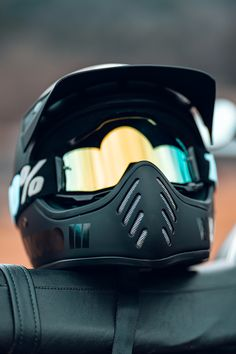 This is one of my favorite looking lids, The Bell Blackout variant 🏍💨 Open Face Motorcycle Helmets, Full Face Helmets, Motorcycle Gear, Bike, Bell Moto 3, Yamaha Rx100, Motocross Riders, Triumph Scrambler, What Is Like