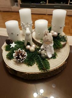 Create an unusual Advent wreath without needles this year: 31 magical inspirations - this time decorate the table with a more creative variant! Christmas Candle Decorations, Christmas Candles, Rustic Christmas, Christmas Wreaths, Christmas Ornaments, Christmas Christmas, Christmas Ideas, Table Decorations, Holiday Crafts