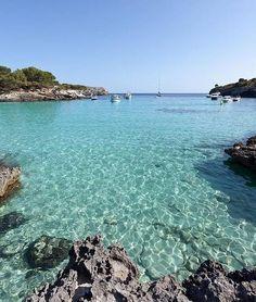 Cala Turqueta, en Menorca                                                                                                                                                                                 Más