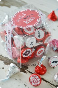 Sealed with a Kiss Valentines Gift idea and free kiss stickers and label via Amy Huntley (The Idea Room)