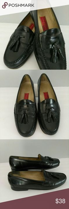 Sale!!Cole Haan Men's BLACK LEATHER TASSELLOAFER'S Cole Haan Men's Pinch Tassel Leather Loafers Slip on Dress Shoes Good Condition  See photos Color Black Size 11 D Leather Tassel  🛍 Bundale 3 items & Save 15% 💥 Make an Reasonable Offer  Have any questions feel free to ask before purchasing. No Trades Ships Same/Next Day Mon - Fri Cole Haan Shoes Loafers & Slip-Ons
