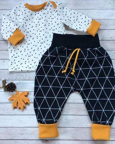 VERKAUFT #comminghomeoutfit#unikat#größe56#zumverkauf#sofortkauf#babyboy#babygirl#baby2018#madeitmyself#handmade#nähenfürbabys#babyclothes#babyfashion#fashion#instafashion#jersey#senfgelb#schwarzweiss#lovethis#dowhatyoulove# bei Interesse an dieses Outfit bitte eine Nachricht per DM😉Die Sets sind alle Unikate, also bitte keine Aufträge senden!! Baby Set, Baby Bundles, Baby Boys, Kids Patterns, Cute Little Things, Kids Coats, Sewing For Kids, Kind Mode, Future Baby