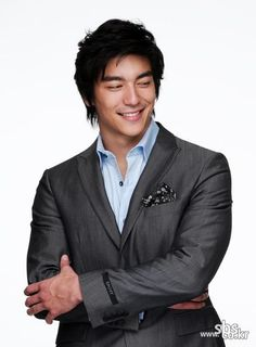 Dennis Joseph O'Neil, known professionally as Dennis Oh / 데니스 오 (August 29, 1981), actor and model born in USA.