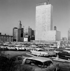 Grant Park parking lot with view of Prudential building c. Chicago River, Chicago City, Chicago Area, Chicago Location, Grant Park, Chicago Photos, My Kind Of Town, Illinois, Skyscraper