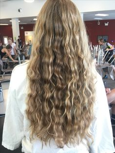 Braid your hair and you'll get these waves