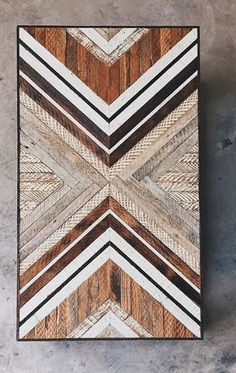 Pallet Wood Table Top Ideas IdeasYou can find Wood tables and more on our website. Diy Wood Projects, Wood Crafts, Woodworking Projects, Art Projects, Woodworking Store, Woodworking Patterns, Woodworking Videos, Woodworking Plans, Wooden Wall Art