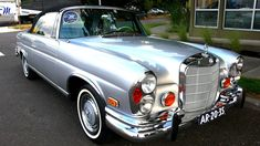The mercedes-benz cabriolet part of the family of models debuted in 1961 as a full-size executive open-top model that replaced the (. Mercedes 220, Mercedes Benz Coupe, Mercedes Benz Cars, Mercedes W114, Benz Suv, Mercedez Benz, Classic Mercedes, Best Classic Cars, Sweet Cars