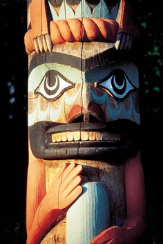 First Nations totem pole in Tofino, Vancouver Island, Canada Vancouver Island, Canada Vancouver, Native Art, Native American Art, Pacific Rim, Pacific Northwest, Le Totem, Toronto, Everything