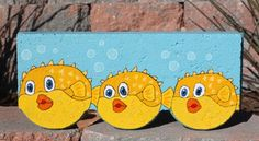 Pufferfish scalloped concrete edger paver - image only. Painted Bricks Crafts, Brick Crafts, Painted Pavers, Stone Crafts, Painted Rocks, Hand Painted, Concrete Edger, Concrete Pavers, Cement