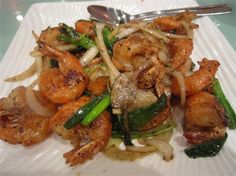 2)	Pan Fried Tiger Prawns with Basil Braised Phoenix Claw Hot Pot in Abalone  http://healthyfoodrecipes14.blogspot.com