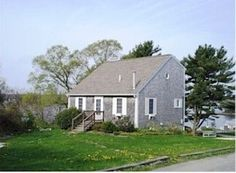 Beautiful 'Saltbox Cape Cod' with Water Views on 3 Levels $500 not on cape