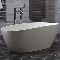 Bayou freestanding bath | bathstore