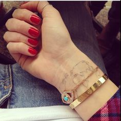 The world as a tattoo on your arm! I love it but I am still to scared to take a tattoo myself... Tattoo and arm belongs to Chaira Ferragni, Italian blogger.