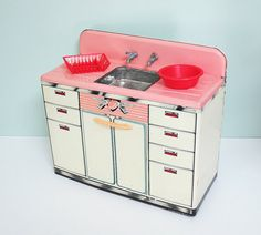 1950s Marx Pretty Maid Toy Sink with Working Metal by Tparty
