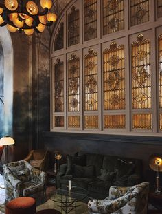 These lounge design projects created by some of the best interior designers are signals of pure class and sophistication. Lounge Design, Photography Exhibition, Photography Gallery, Art Photography, Stockholm, Modern Restaurant Design, Pop Art, Mission House, Local Painters