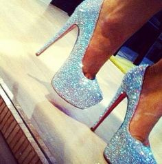 Shoes- this describes me because my favorite color is Blue!
